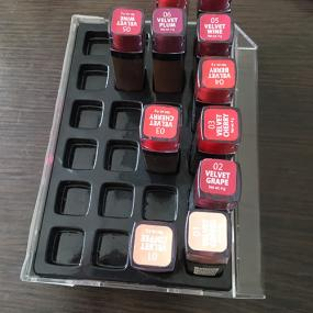 Plastic insert tray for display